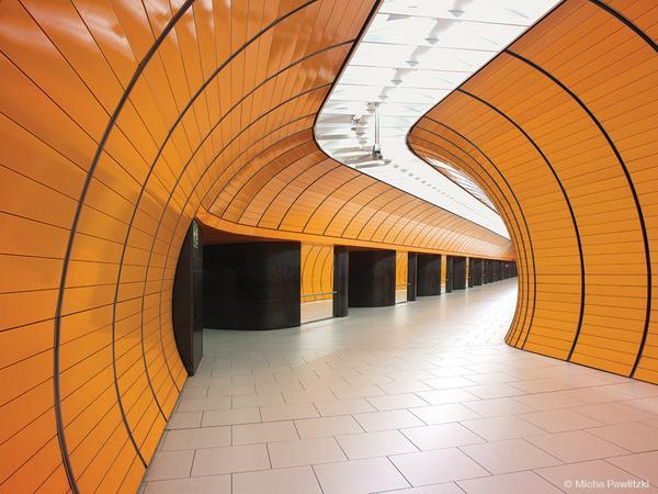 Enjoy Micha Pawlitzki's stunning 'Unter Grund' images of empty train stations: http://t.co/7GJVZU7S4H http://t.co/QRpyCC9bsD