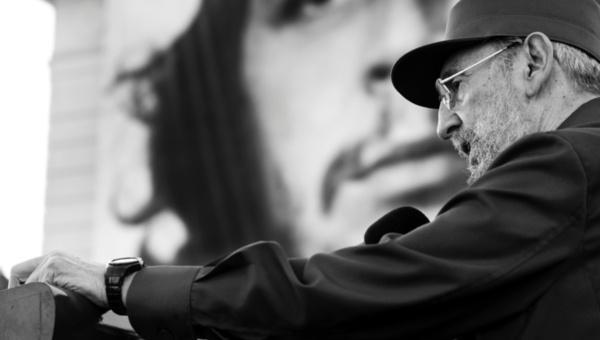El líder cubano #FidelCastro cumplirá 88 años este 13 de agosto ¡Envíale tu mensaje a través de teleSUR! http://t.co/F7W9f0ZIWs