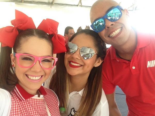Maruca (@MarucaGalindo): Lithsta en el #Aniverstardes @Viridianavel @pelonramos http://t.co/HOg2Jvq8eW