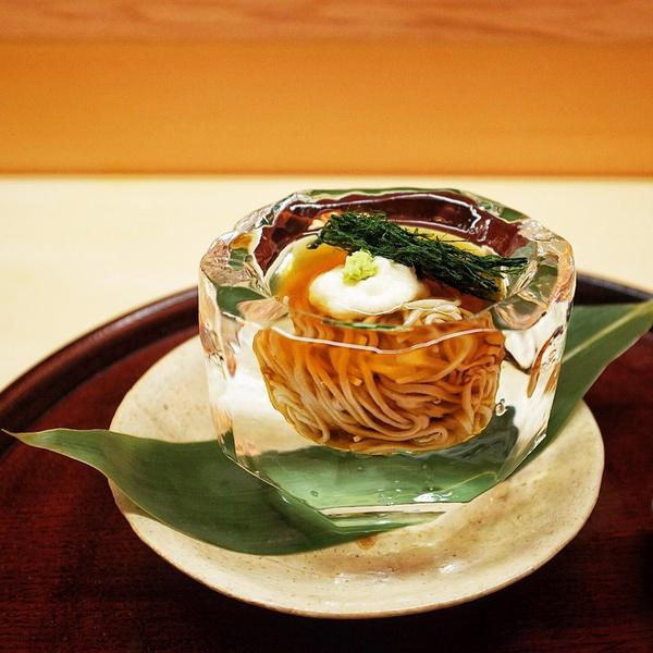Breathtaking soba course with tororo & fragrant nori from Shimanto river, served in a hand carved ice bowl- Matsukawa http://t.co/vU3RbRPSRp