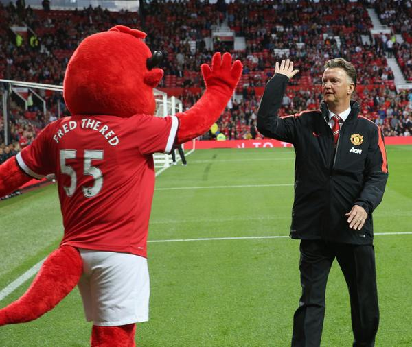 Bu4kyqgIQAA70 V Paul Scholes gives his thoughts on Mad Genius Louis van Gaal in first Independent column