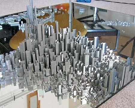 """เมืองที่เห็นนี้สร้างด้วย """"ไส้แม็กซ์"""" นับแสนอัน โดยใช้เวลากว่า 40 ชั่วโมง ไม่มียิ่งใหญ่กว่าความพยายามของมนุษย์ http://t.co/GKzPGqJB4D"""