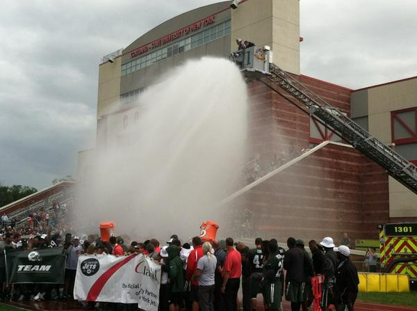 Entire Jets team takes ALS ice bucket challenge with help from Cortland Fire Dept. #nyj http://t.co/ocoBlsyd5N
