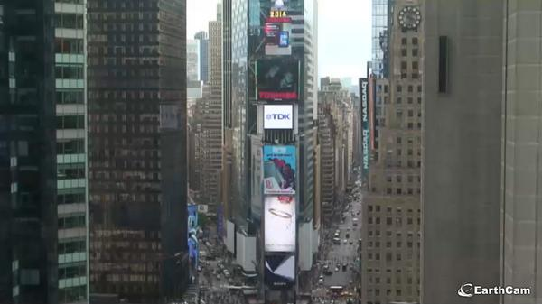 Tune in to our @TimesSquareNYC #webcam at 10 pm for the premiere of @michaeljackson's single! http://t.co/gkRmgWdqQz http://t.co/GoBSyM4gA2