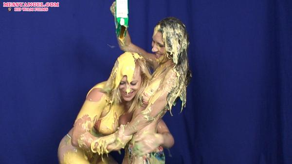 """: Morning battle it out with #custard #messygirlswrestling #wam #splosh"