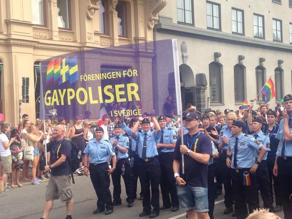 Awkward. #sthlmpride #prideparad http://t.co/D5XHSPjm5W