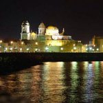 Los espectaculares reflejos de la historia...#Cadiz http://t.co/Aj8k87t8bB