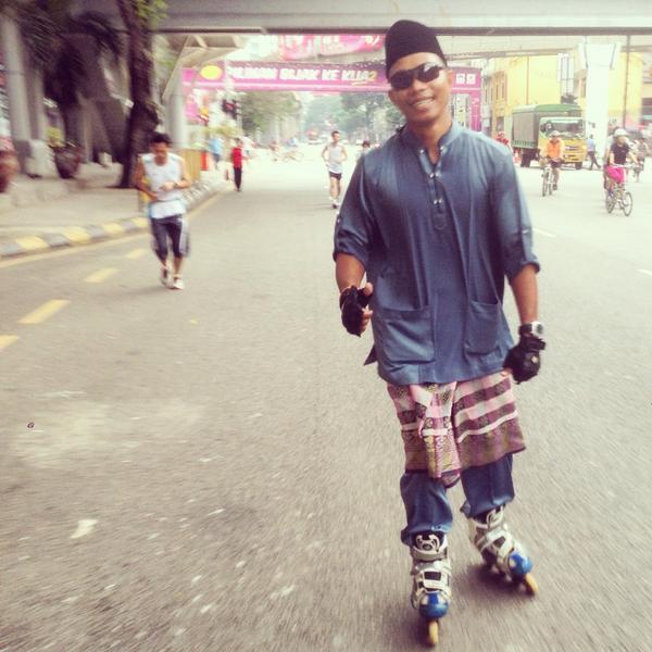 Skate masa Rayo kenalah bergayo! #KLCarFreeMorning http://t.co/PynyiEOFVi