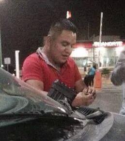 Este hombre avería coches y luego se ofrece reparar p asaltar, va en Ibiza @AtnGpe @cesargarzav - via @verodeluevano http://t.co/wIP2RlkuoN