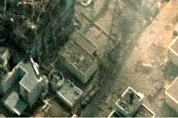 びっくり! 衛星高度まで放射線が直達! 3号炉爆発3分後の衛星写真に放射線が飛び込んだ痕跡を発見!2011年3月15日の東京の高線量は、放射能雲ではなく、直接超特急で放射能物質が飛び込んだ事の視覚証明です! http://t.co/JcdZjV3rRa