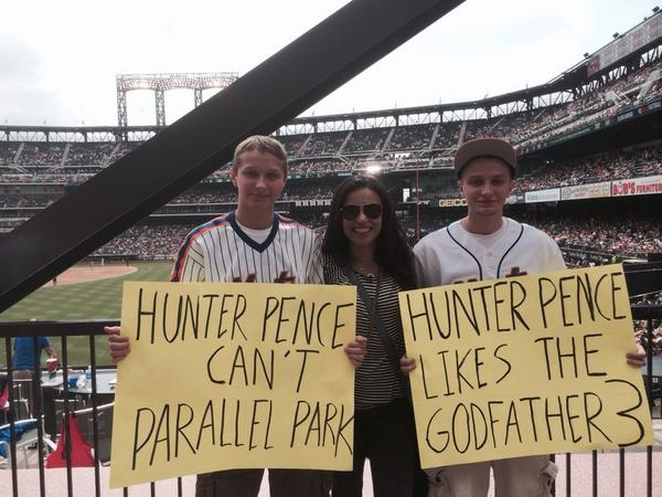 Alexis Cozombolidis  (@LetsGetLexi): Well, this is awkward (cc:@hunterpence) http://t.co/w5bixRzVZN