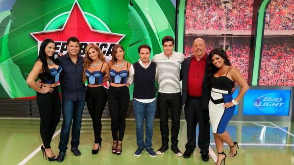 Carla Aranguren (@carladeportes): Gracias a todos! @albagalindo @jorgedcalvo @alejandroberry @enriquebermudez @UnivisionSports @RepDeportiva http://t.co/LJgLQeFnN1