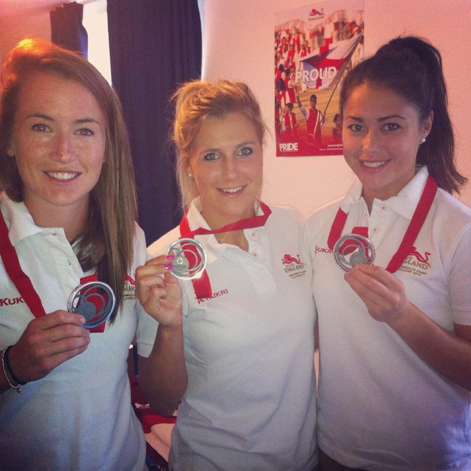 Georgie Twigg @georgietwigg: So it comes to an end! @SamanthaQuek @MaddieHinch and I off to the closing ceremony with @katewalsh11 as flag bearer! http://t.co/UsKrc2Jner