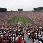RT @mashable: Michigan crowd at @ManUtd and @RealMadrid soccer match sets U.S. attendance record. http://t.co/TJaeImI9F6 http://t.co/35eZxE…