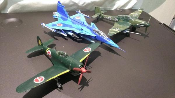 #ガンプラ画像を貼るとRTが来るらしいがスケールモデルの画像貼ってもRT来ないだろうが私は自分が作った戦闘機を自慢したい http://t.co/k4Xdv60lSH