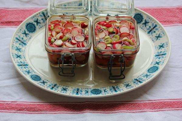 It's a good time of year for pickling radishes - with warm vinegar and spices. Great with cold meats, cheeses, game.. http://t.co/eFSaK03Xyw