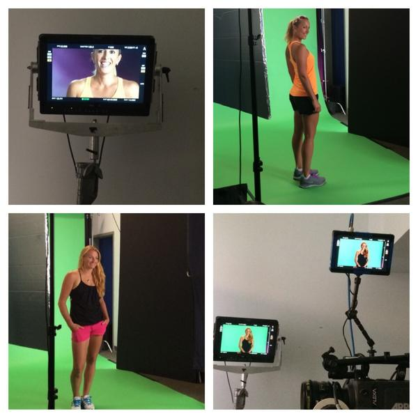 Just finished a #RoadToSingapore shoot with @arodionova. #salut #doubles #tennis http://t.co/96SyPpbRsI