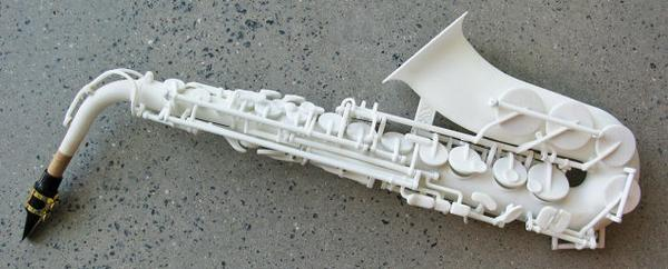 3Dプリンターで作ったサックス。まあまあな音が出ます。プラスティックなのに。@Gizmodo: The first 3D-printed saxophone sounds  http://t.co/bFMDJgqUxK http://t.co/2WRfzzQ11f