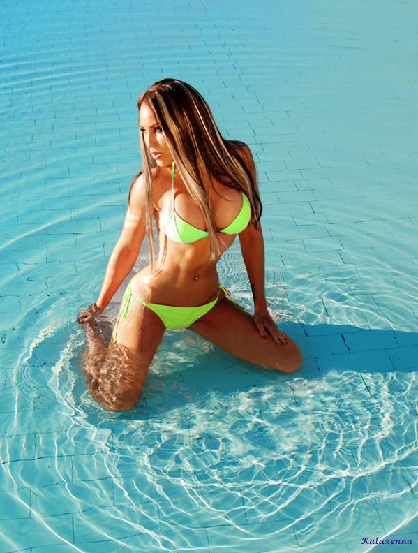 Sun-kissed summer shoots <3 #kataxenna #summer2014 #fitness #bikinifitness #fitnessmodel #hottestday