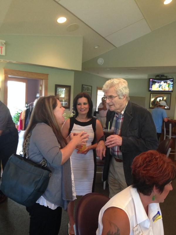 Peter Glessing (@PGless): Senator Boschwitz and Rep. @MaryFranson talking to a Franson supporter in Alexandria #mnleg #mngop http://t.co/8g8eW5mVdG