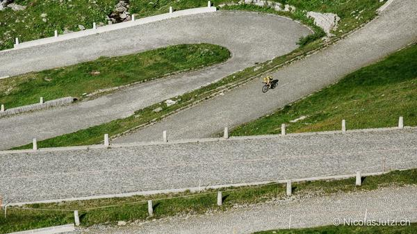 Gottard Pass cobbles after 800km are a true test of body & bike for @cottydale #Road2MtBlanc http://t.co/iuwLqBTQxF http://t.co/btWcjb4yOl