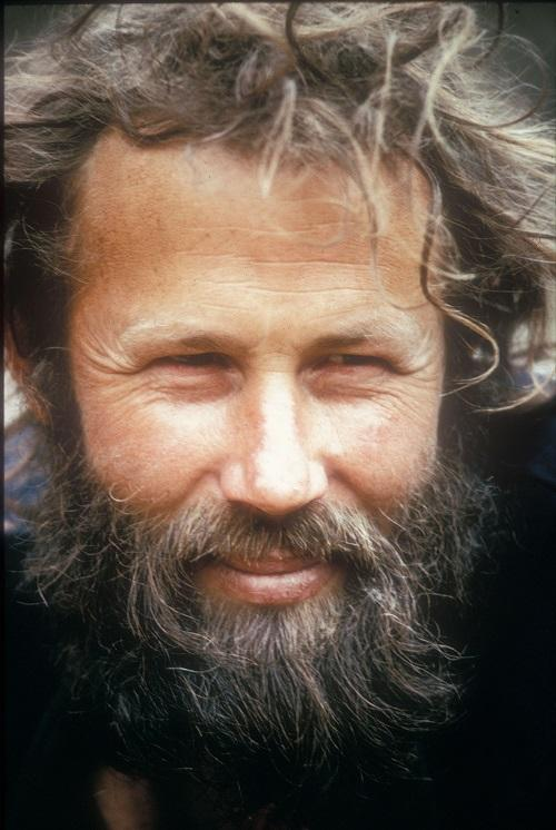 Happy 80th birthday Sir @ChrisBonington our very own mountaineering legend and global icon. Many happy returns Chris http://t.co/wMMMvhuqC2