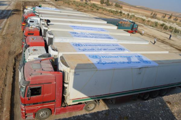 10 trucks crossed into #Syria from Jordan today with UN food,hygiene & medical kits. 15 via Turkey since yesterday http://t.co/lMFGp1aJuB