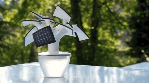 This #SolarPower bonsai tree charger is a #sustainable solution for charging your #gadgets - http://t.co/T9ntGZXiu0 http://t.co/Ku7YjbIeTB