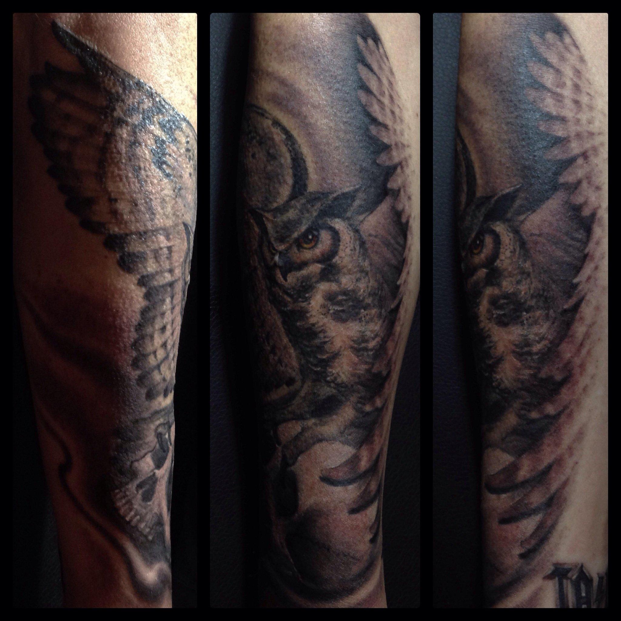 Owl+skull tattoo on @ndrewStuart complete! 💀 http://t.co/QGS655sPrC