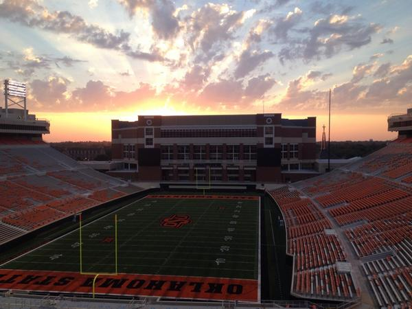 #okstate's Boone Pickens Stadium and Gallagher-Iba Arena at sunrise. #IRideWithTheCowboys http://t.co/LqIOGuGkh5
