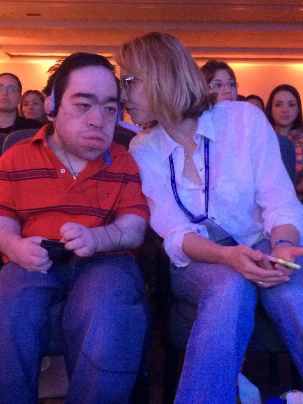 Eu e @BiancaRinaldi @ApmpsVIDA #simpósiointernacionaldeMPS http://t.co/d04JWcVn9Z