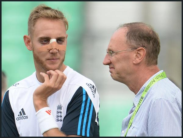 If these two were in a beauty contest right now @Aggerscricket would still come a distant second. @StuartBroad8 http://t.co/515QP0nqNL