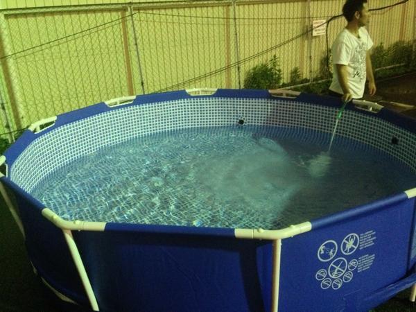 今回のプールやばいwwwwwこれは入りたいwwwwwwww #夏の宴 #夏の宴2014 http://t.co/803GuQaBzj