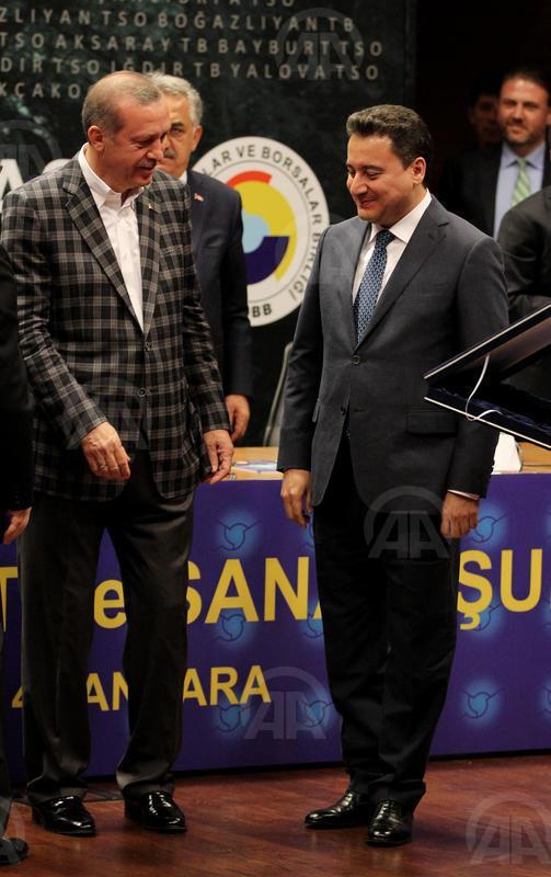 Bugünkü toplantıdan güzel bir kare: Erdoğan, Babacan, Bulut http://t.co/e29YrLASMg