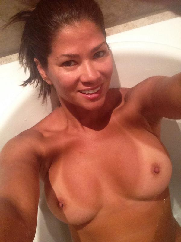 Don't mind if I do, enjoy a nice hot bath! http://t.co/SspXi6uhfx
