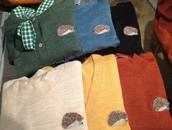 みなさまこんばんは! 毎年人気のカーディガン刺繍シリーズに今年はハリネズミがやってきました〜。 新色もございますので、ご紹介致します♩ http://t.co/sUBqu48ksS