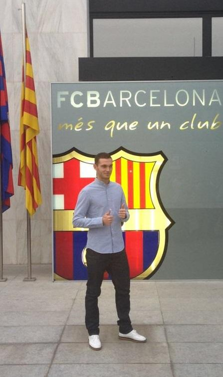 Just passed the medical with FC Barcelona. Tomorrow official presentation and signing. http://t.co/cEPTJ2JSFJ