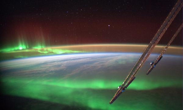 Andrea Butera (@AndreaButera): @JimCantore MT @Astro_Alex: Never thought I'd fly right thru an #aurora. Made wish, in case it's an undiscovered rule http://t.co/mFBJEs4CgT