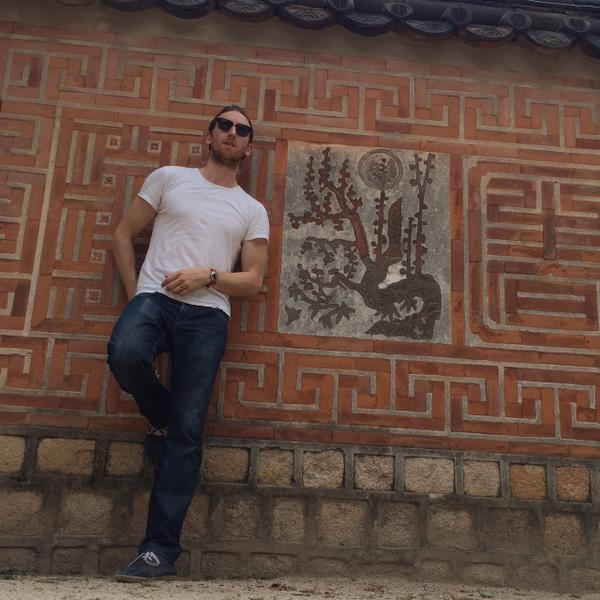 .@0326ing today i visited a nice palace with some pretty walls #TimerCam: http://t.co/rejMniBRjs