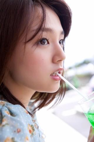 RT @Shiotanz: 青春 #shinozakiai #篠崎愛 #Aishinozaki http://t.co/00FMLIlBwh