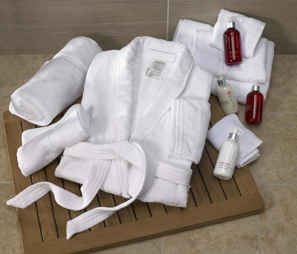 Want to win this luxe bath set from @Marriott? Tweet #RelaxWithideeli to enter! (Contest Ends 8/15 @12 pm EST) http://t.co/MgRiwQomvK