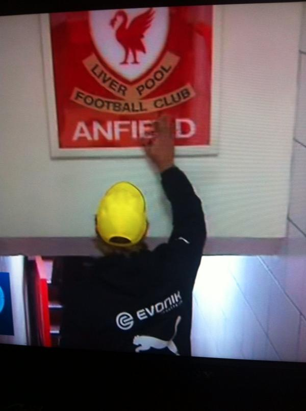 How can you not love Jurgen Klopp?  Jurgen Klopp paying respect to the THIS IS ANFIELD plaque upon entering the pitch http://t.co/iWvgxUA9gH