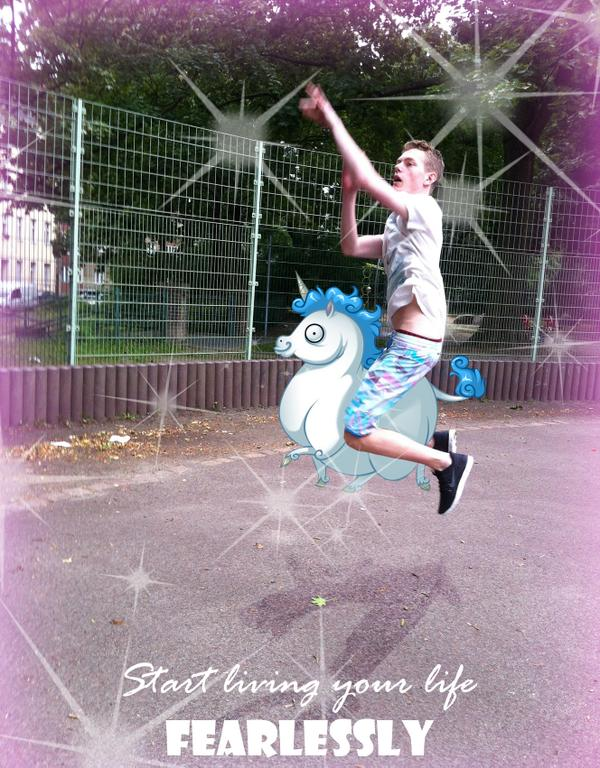 went to play basketball with the lovely @TheMaelk - He was so majestic! http://t.co/BgYSc2ag9h