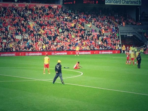 Jurgen Klopp spent the entirety of his pre-game session, observing Liverpool train.  You never stop learning. #LFC http://t.co/UVBYKMRtum