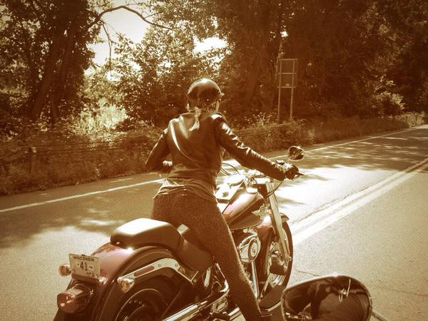@kateesackhoff's fine ass. #LifeRide5 #ViewFromAHarleyDavidson http://t.co/km4cR8OOl2