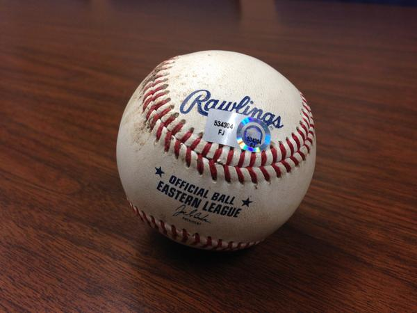 Giving away Jeter game used ball from 7/3/11 - RT by 11am tmrw 4 chance 2 win @MiLB #MascotMania #VoteRookieThunder http://t.co/eeD9XzvJi3
