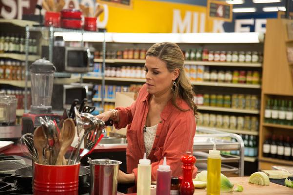 Don't forget to watch me on @GuyFieri's Grocery Games, tonight at 8/7c on @FoodNetwork - please RT! http://t.co/8rCNrFfZNW