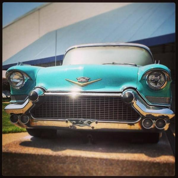 Elvis favorite car *_* #Elvis #Presley #Cadillac #Oldschool #Fashion #Turquoise #Car #Sp... http://t.co/BitElj9pkw http://t.co/So5aqfJNRY