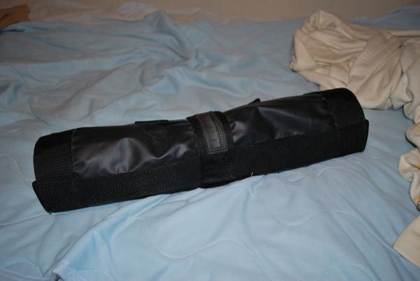 【放出】BLACKHAWK!製ロールアップストレッチャー(折り畳み担架) 一回フィールドで遊びましたが、クリーニングしてお譲りします。7,000円にて。 http://t.co/waF0WXjMt6