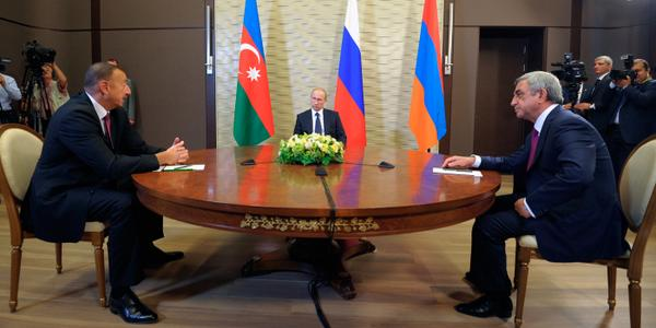 honey, I shrank Putin MT @KremlinRussia_E: Meeting with Presidents of Armenia and Azerbaijan http://t.co/IE8YysHisI http://t.co/xU01vPEyqO